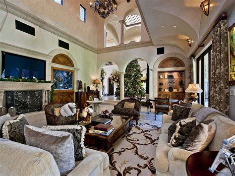 the living room beverly barry bonds strikes out at lucky 25 million price chops beverly home by 1 5 million