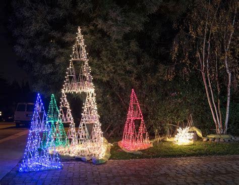 sierpinski forest lights up front yard on lucky avenue