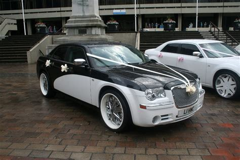 Chrysler Wedding Car   Modern Wedding Car Hire In