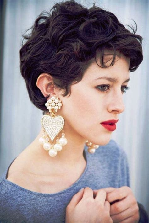 pixie cut for wavy thick hair cute pixie haircut for curly hair hairstyles for women