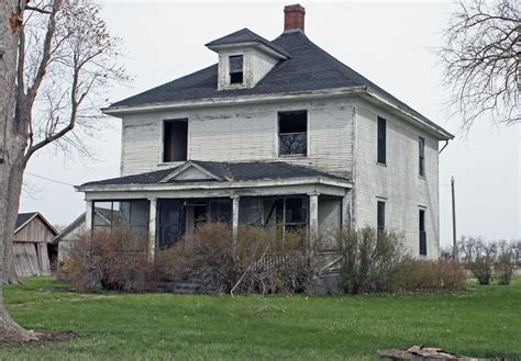 rural macoupin county illinois abandoned farmhouse n o