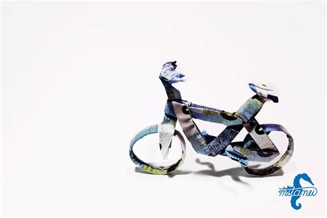 Origami Bike - 22 awesome origami models folded using paper money