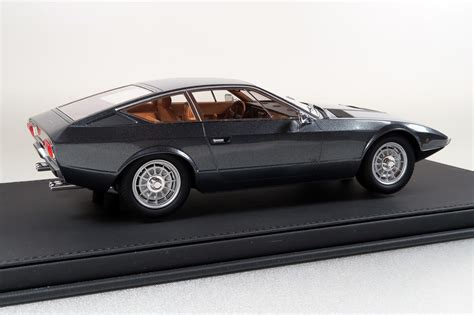 maserati khamsin top marques collectibles maserati khamsin 1 18 black top33b