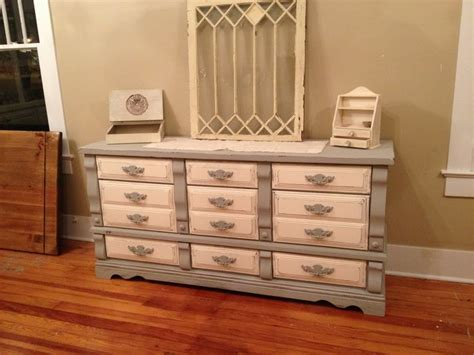 Distressed White Dresser by Grey And White Distressed Dresser 425 Shabby To Chic