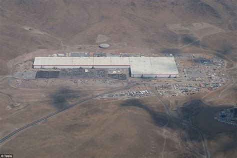 tesla gigafactory planned 2020 production of lithium ion cells slide tesla s gigafactory revealed in latest drone footage