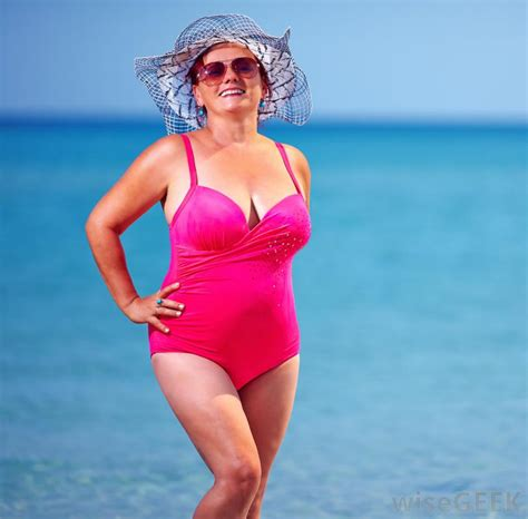 old ladies in bathing suits how do i choose the best plus size bathing suit