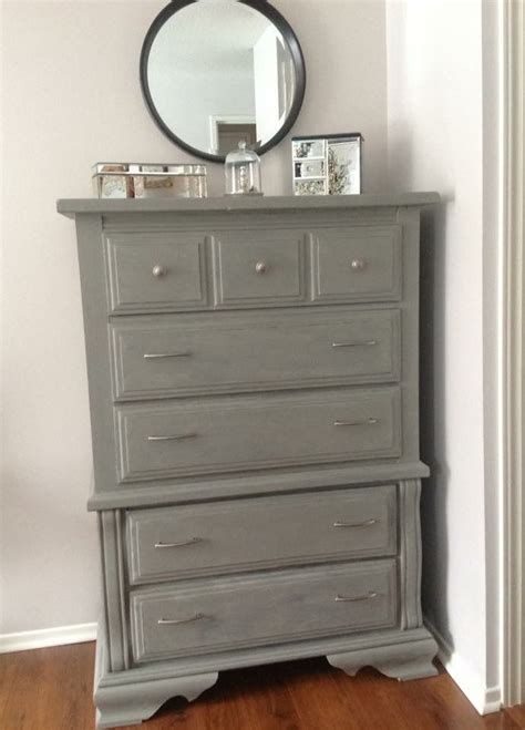chalk paint grey the 25 best ideas about gray chalk paint on