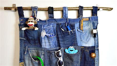 Clothing Upcycle - tutorial for a great denim pocket organiser pillar box blue