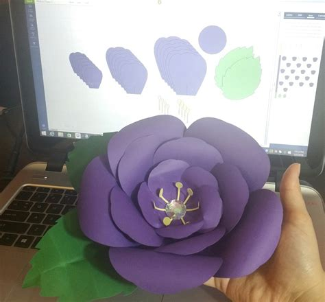 Free Cricut Design Space Canvas With Cut Files To Make This Giant Paper Flower Cricut All The Large Paper Flower Template Cricut