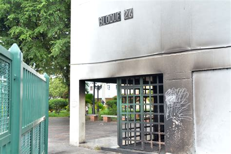 laras de entrada lara grupos armados queman las entradas de los edificios