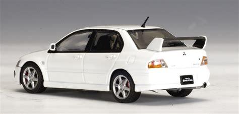 Autoart Mitsubishi Evo8 White autoart mitsubishi lancer evo viii white 57182 in 1 43 scale mdiecast