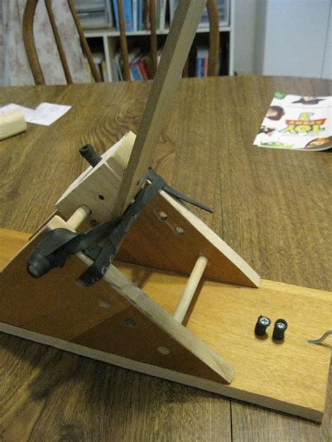 Handmade Catapult - trail catapult