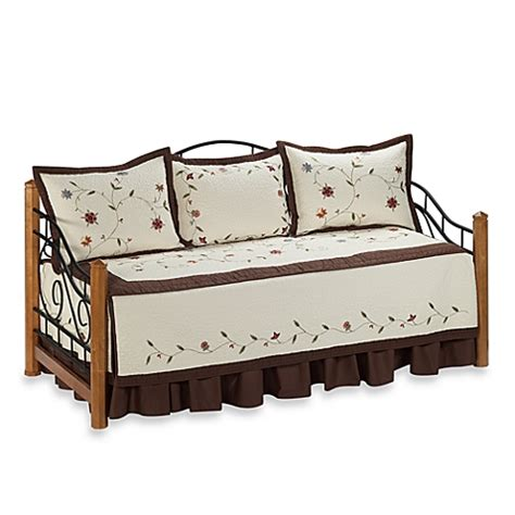 Bed Bath And Beyond Daybed Sets Ambria Daybed Bedding Set Bed Bath Beyond