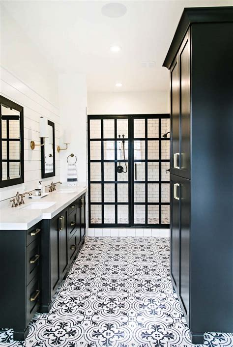 Black And White Bathrooms Ideas by 25 Incredibly Stylish Black And White Bathroom Ideas To