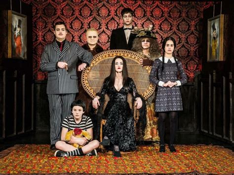 filme schauen the addams family musicalzentrale the addams family jugendtheater
