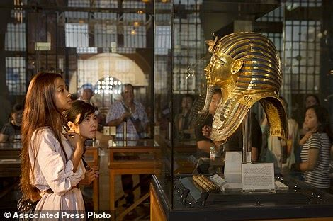 egyptian museum s displays cairo weepingredorger egyptian museum in cairo displays oldest papyrus in existence detailing daily life daily mail