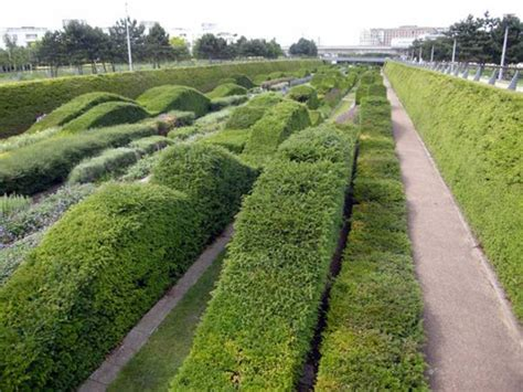thames barrier park maze برترین سایت های صنعتی که مورد استفاده مجدد قرار گرفته اند
