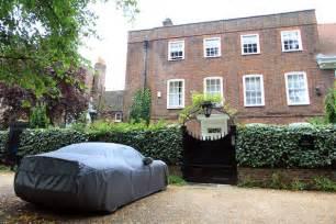 George Michael S House by George Michael S Ferrari Outside His London Home Zimbio