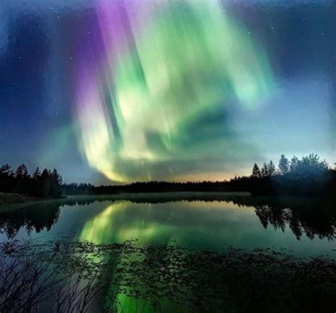 imagenes increibles en el cielo explosi 243 n de colores en el cielo de finlandia por una