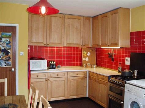 red kitchen walls with oak cabinets 17 best images about country kitchens on pinterest oak