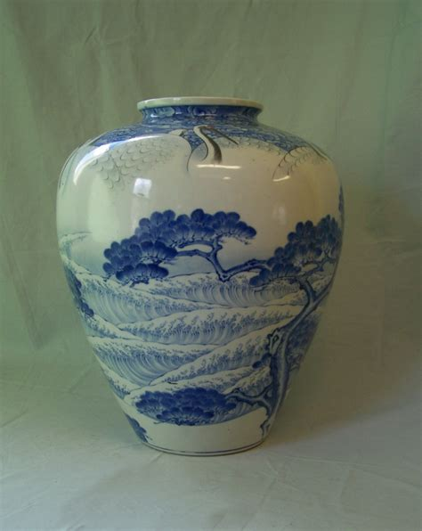 Japanese Porcelain Vases by 8368 Japanese Blue And White Porcelain Vase With 9 Cranes
