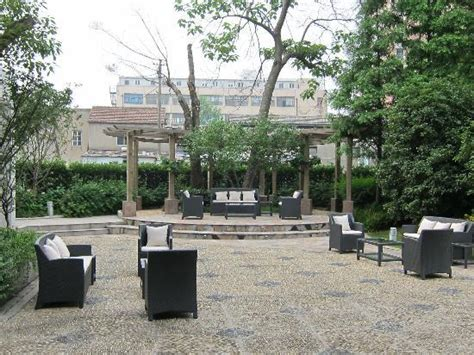 outdoor seating area outdoor seating area of lemon cafe picture of l otel