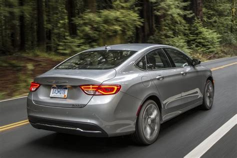 Chrysler 200 Fuel Economy by Gas Mileage Of 2011 Chrysler 200 Fuel Economy