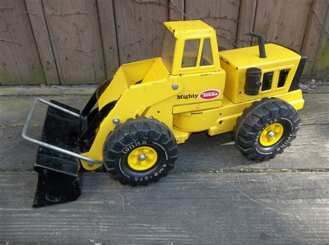 tonka truck 1976 1977 tonka truck mighty tonka front end loader