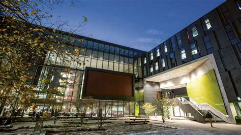 Oxford Brookes Global Mba by Business And Management Oxford Brookes