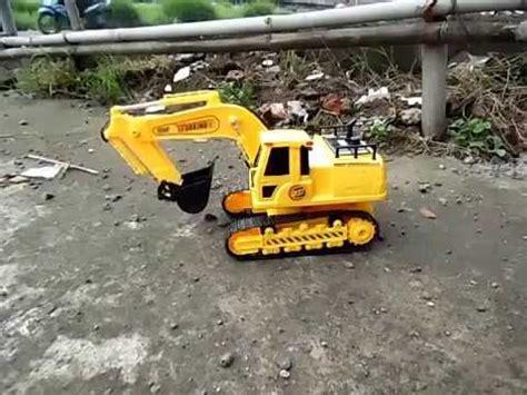 Alat Berat Beko mainan rc alat berat beko excavator digger
