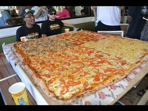 big pizza big s papa s pizzeria 54 inch pizza challenge vomit alert