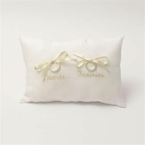 cuscino per fedi cuscini porta fedi