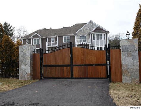 rob gronkowski house rob gronkowski s robbed mansion had gates with spikes