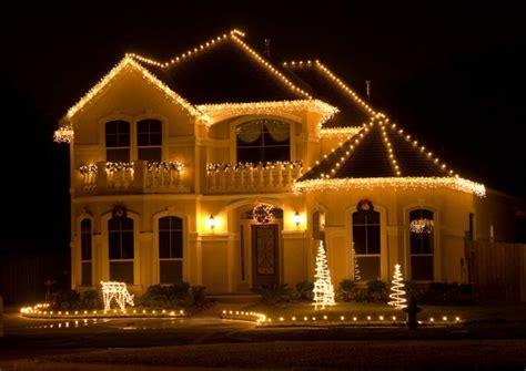 beautifully decorated christmas homes 23 most beautifully decorated for christmas season
