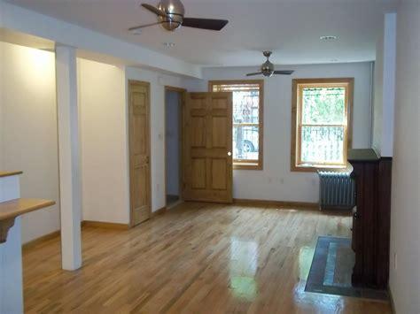 stuyvesant heights  bedroom apartment  rent brooklyn crg