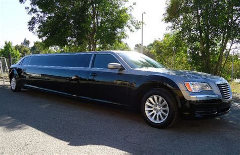 best limo the new 2011 chrysler 300 best limo machinespider
