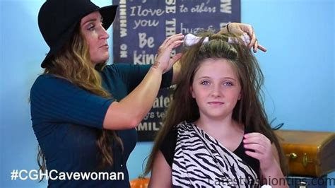 cavewoman hairstyles halloween cave woman half up halloween hairstyles