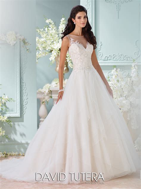sleeveless wedding gown