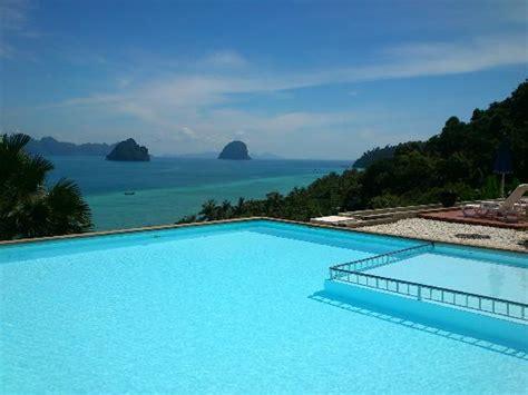 vista dalla piscina   Picture of Koh Ngai Cliff Beach