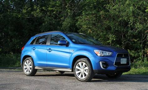 mitsubishi rvr 2015 in photos 2015 mitsubishi rvr inside and out the globe