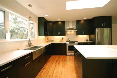 nachttischle modern this mid century modern ikea kitchen will take your breath