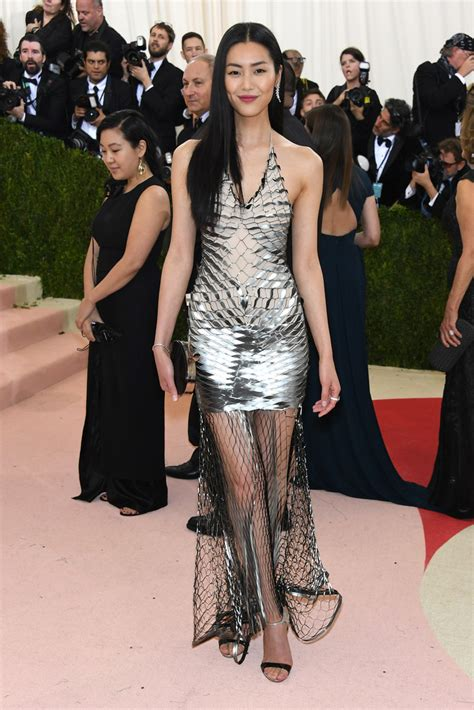 Lucky Liu At The Met Costume Gala With Zac Posen And 35 Carats Of Yellow Sapphires To Left by Liu Wen Best Dressed At The 2016 Met Gala Stylebistro
