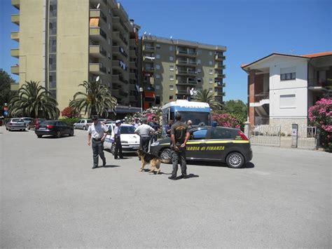 polizia municipale porto recanati nuovo blitz della polizia al river i pusher