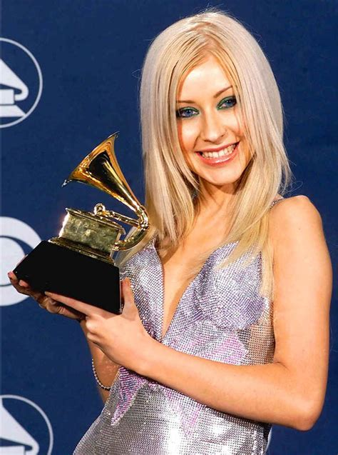 Did Aguilera Go Nuts At The Grammy Awards r 225 dio 94fm aguilera completa 34 anos