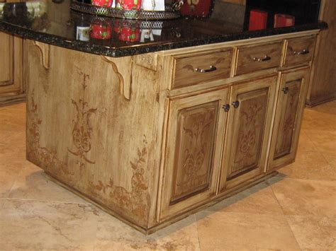 Painting Kitchen Island Lynda Bergman Decorative Artisan Re Painting Susan S Kitchen Island