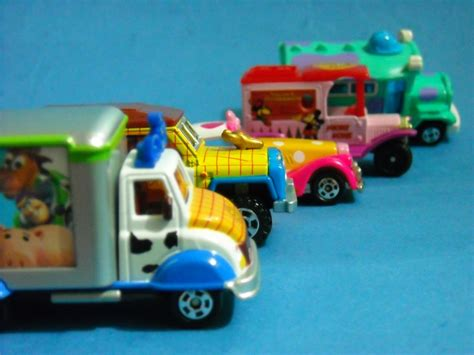Tomica Disney Resort Jolly Trolley 1 resti s classic sports diecast tomica disney pixars cars mickey minnie mouse etc w
