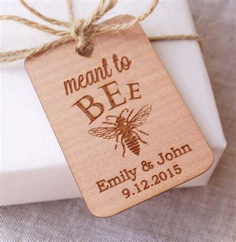 Top 10 Best Personalized Wedding Favor Ideas   Heavy.com