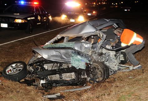 gory car crashes gruesome fatal crash car pictures car