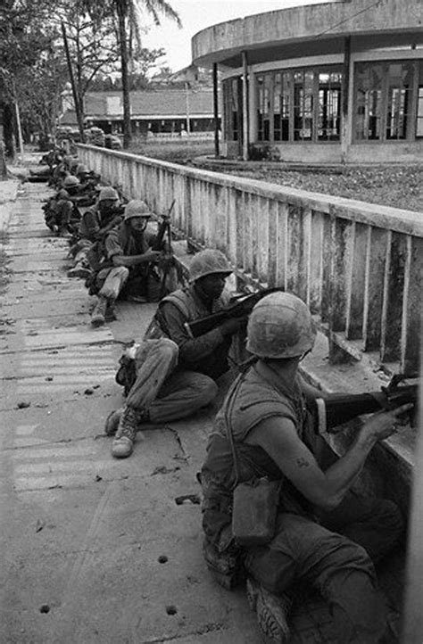 in the streets the battle for hue tet 1968 books 17 images about nam on zippo lighter