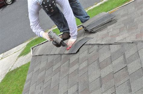 How To Install Shingles On A Hip Roof how to shingle a roof 90 pics pro tips recommendations one project closer